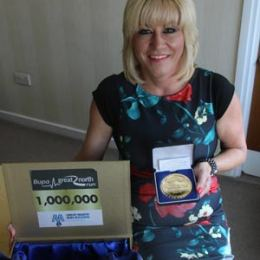 Tracey Cramond with her GNR medal